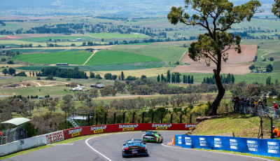 12h-Bathurst-2017-Preview-Porsche-911-GT3-R-Mount-Panorama-Circuit