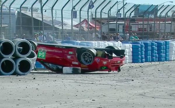 12h-Sebring-2018-Ferrari-64-auf-dem-Dach