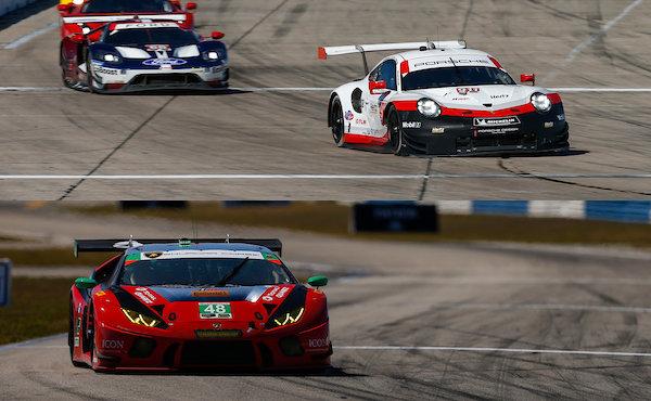 12h-Sebring-2018-Porsche-911-RSR-Nr.911-Lamborghini-Huracan-GT3-Nr.48