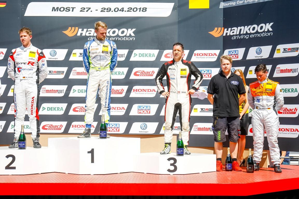 Zweiter Podiumserfolg: Mike Halder wird am Samstag Zweiter (Foto: Burkhard Kasan / Racevision)