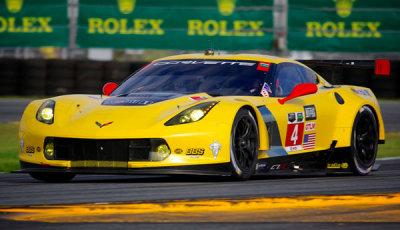 24-Daytona-2015-Corvette-Pole-Position