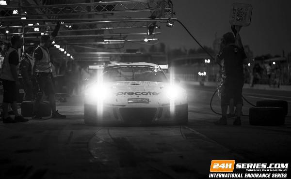 24h-Barcelona-2016-Herberth-Motorsport-Porsche-911-GT3-R-schwarz-weiß