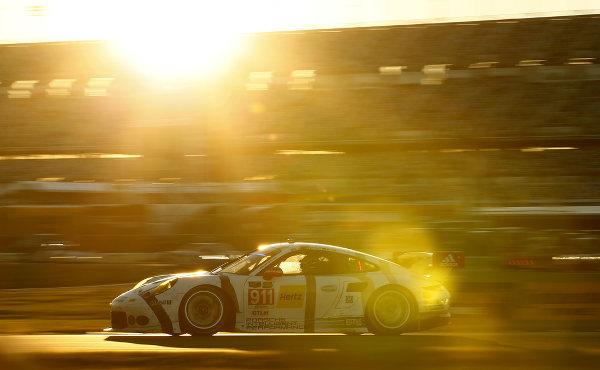 24h Daytona 2015: Höhen und Tiefen für Porsche-Teams - onthegrid.de