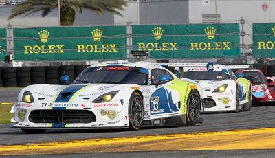 24h-Daytona-2015-beide-Riley-Motorsports-Viper-GT3-R