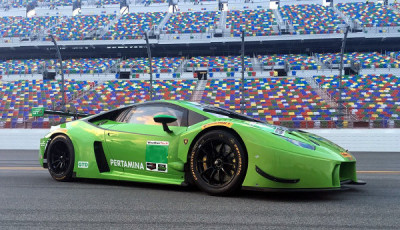 24h-Daytona-2016-Grasser-Racing-mit-zwei-Lambroghinis-am-Start