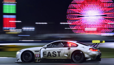 24h-Daytona-2017-BMW-M6-GTLM-Nr-19-bei-Nacht