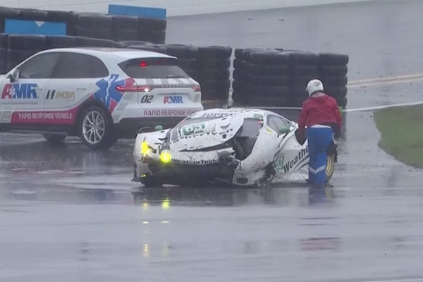 24h-Daytona-2019-Ferrari-488-GT3-Nr.63-Crash