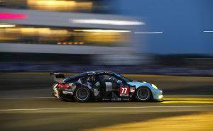 24h-Le-Mans-2015-Qualifying-Porsche-911-RSR-77-Dempsey-Proton-Racing-Patrick-Dempsey-Patrick-Long-Marco-Seefried