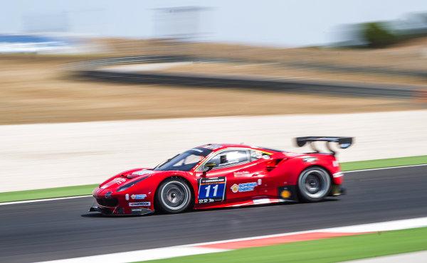 24h-Portimao-2017-Pole-Fuer-Scuderia-Praha-Ferrari-488-GT3-Nr.11