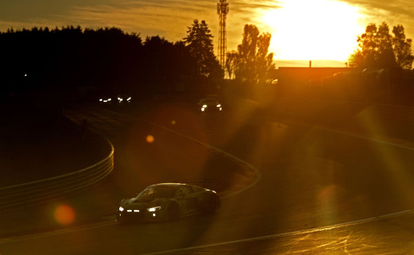 24h-Spa-2018-Preview-11-Audi-R8-LMS-am-Start