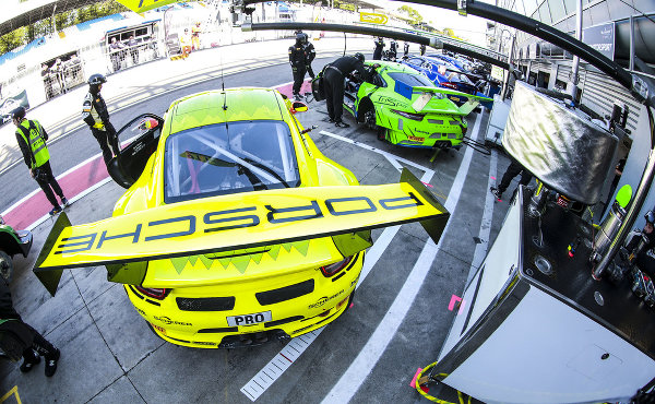 24h-Spa-2018-Preview-Vier-Porsche-911-GT3-R-am-Start