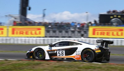 #58 Garage 59 McLaren 650 S GT3 Alvaro Parente, Rob Bell, Nürburgring 2016