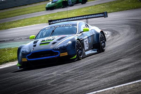 Vaxiviere / Dennis / Thiim gewinnen im Aston Martin (R-Motorsport #76) das zweite Blancpain Endurance Rennen in Silverstone (Foto: SRO / Blancpain)