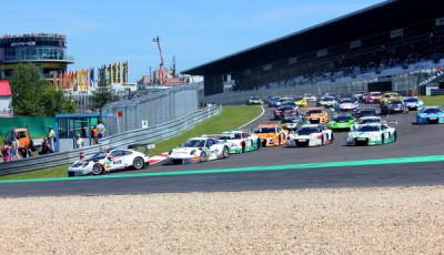 ADAC-GT-Masters-2016-Nuerburgring-Rennen-2-Start