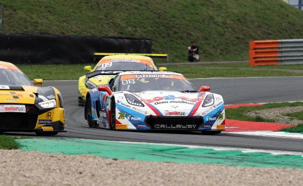 ADAC-GT-Masters-2018-Oschersleben-Rennen-2-Callaway-Corvette-Nr.1