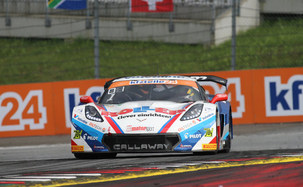 ADAC-GT-Masters-2018-Red-Bull-Ring-Qualifying-1-Callaway-Competition-Corvette-Nr.1