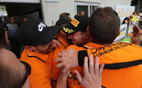 ADAC-GT-Masters-2018-Red-Bull-Ring-Rennen-2-Freude-bei-Bortolotti