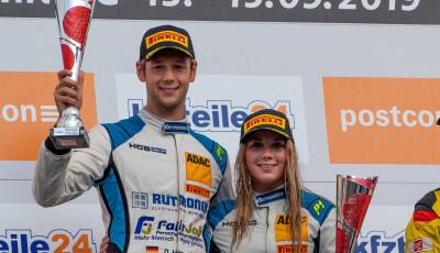 ADAC-GT-Masters-2019-Hockenheimring-Podium-Dennis-Marschall-Carrie-Schreiner