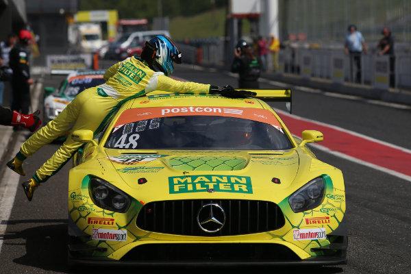 ADAC-GT-Masters-2019-Most-HTP-MANN-FILTER-Mercedes-AMG-GT3-Nr.48-Box