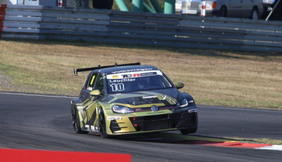 ADAC-TCR-Germany-2018-Nuerburgring-Max-Kruse-Racing-VW-Golf-GTI-TCR-Nr.10-Benjamin-Leuchter