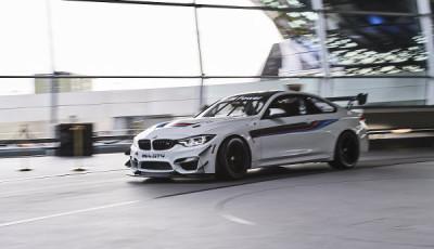 Auslieferung-neuer-BMW-M4-GT4-2017