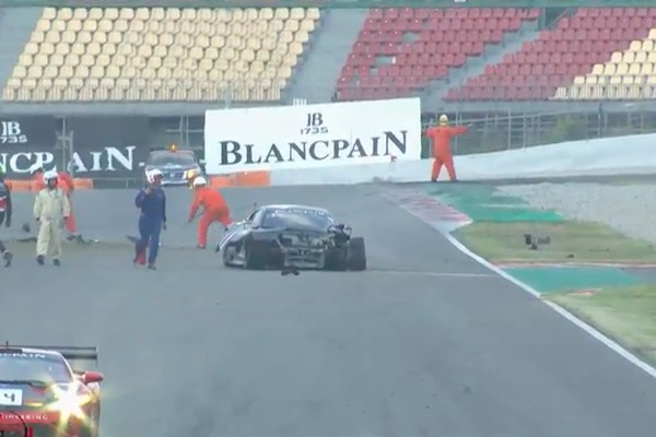 Blancpain-GT-Series-Endurance-Cup-2018-Barcelona.Qualifying-1-Attempto-Audi-Unfall