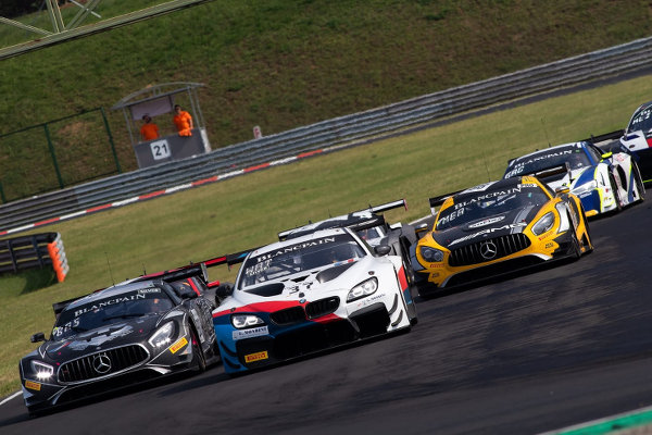 Blancpain-Sprint-Budapest-Rennen-1-Positionskampf