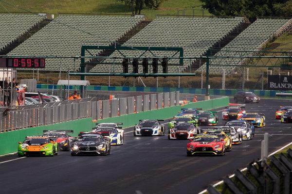 Blancpain-Sprint-Budapest-Rennen-1-Start
