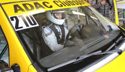 Eleens-Weg-Teil-5-im-Dacia-Logan