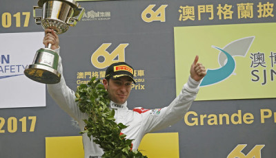 FIA-GT-World-Cup-2017-Robin-Frijns-Podium