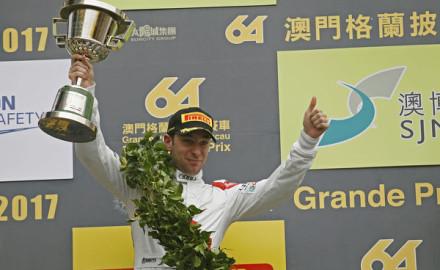 FIA-GT-World-Cup-2017-Robin-Frijns-Podium