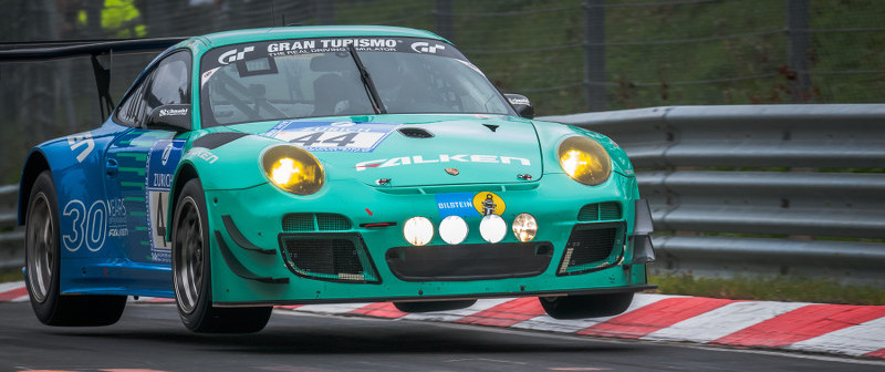 Falken-Porsche-up-in-the-air