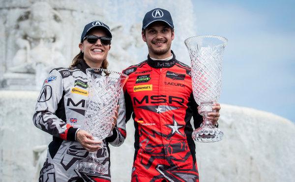 IMSA-2018-Detroit-Sieger-GTD-Katherine-Legge-Mario-Farnbacher