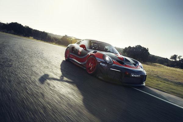 Porsche-911-GT2-RS-Clubsport-2