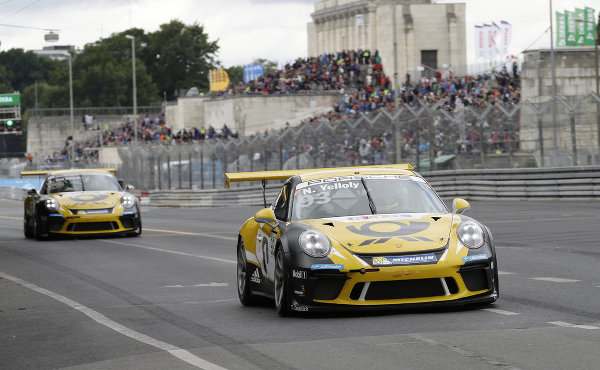 Porsche-Carrera-Cup-2017-Norisring-Lauf-7-Team-Deutsche-Post-by-Project-1-Porsche-911-GT3-Cup-Nr.93-Nick-Yelloly