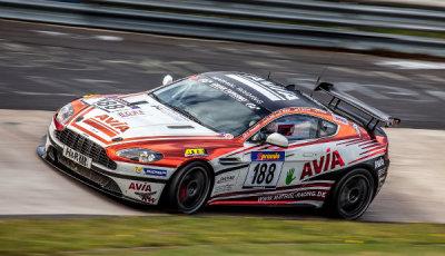 VLN-2014-Lauf-9-Avia-racing-Aston-Martin-V8-Vantage