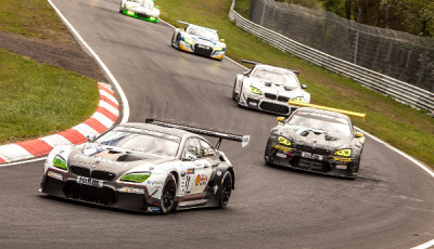VLN-2016-Lauf-3-BMW-M6-GT3-führen-Feld-an