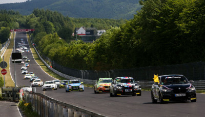 VLN-2017-BMW-M235i-Racing-Cup-Start