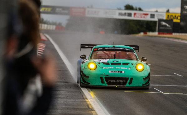 VLN-2017-Lauf-5-Falken-Motorsport-Porsche-911-GT3-R-Nr.4