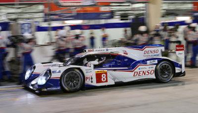 WEC-2014-Bahrain-Toyota-Racing-siegt-im-Rennen
