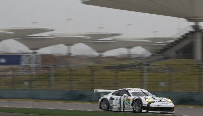 WEC-2014-Shanghai-Porsche-911-RSR-Porsche-Team-Manthey-Frederic-Makowiecki-Patrick-Pilet