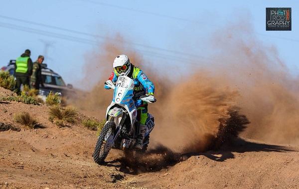 Mit seinem KTM Crossbike meisterte er die Rallye Dakar (Foto: Maikel Verkade, privat)