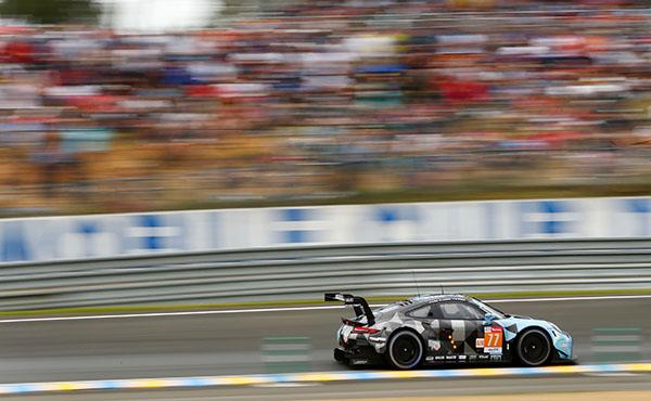 #77 Dempsey-Proton Racing (c) Porsche AG